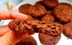 bezglutenowe-wegańskie-ciastka-z-ciecierzycy-z-karobem_wm.jpg 4574×2862 pikseli