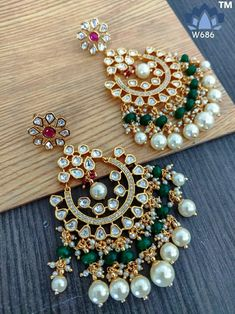 Kundan jewellery sc😊🙏🏻l.o DM or whatsapp on for inquiry & order  Indian Bridal Jewelry Sets, Indian Jewelry Earrings, Fancy Jewellery, Jewelry Design Earrings, Ear Jewelry, Stylish Jewelry, Silver Jewelry, Designer Earrings, Fashion Earrings
