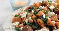 Rostad sötpotatis med fetaost, kikärter och chilimajonnäs   Recept från Köket.se