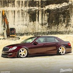 Follow the URL in our bio and check out @dennyalldila gorgeous Benz equipped with the help of @air_lift_performance suspension! | Photo by: @bagassapp #stancenation #airlift #airliftperformance #lifeonair