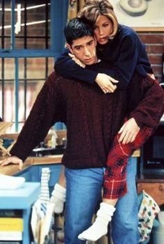 Friends - Episode publicity still of Jennifer Aniston & David Schwimmer Friends Tv Show, Friends 1994, Tv: Friends, Serie Friends, Friends Leave, Friends Moments, I Love My Friends, Friends Forever, Rachel Friends