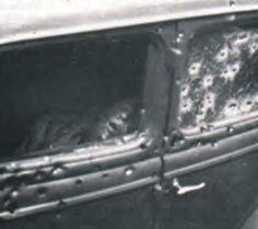 The Bonnie & Clyde Picture Album - Bonnie And Clyde Death, The Bonnie, Bonnie Clyde, Famous Outlaws, Real Gangster, Bonnie Parker, Bank Robber, Picture Albums, Jim Morrison