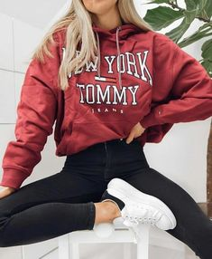 teenager outfits for school ~ teenager outfits ; teenager outfits for school ; teenager outfits for school cute Teenager Outfits, Girls Fall Outfits, Fall Outfits For School, Trendy Fall Outfits, Cute Comfy Outfits, Teen Fashion Outfits, Mode Outfits, School Wear, Tumblr Outfits