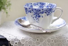 (via dainty blue tea cup | Flickr - Photo Sharing!)