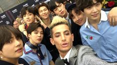 Bts with Frankie Grande Namjoon, Jhope, Seokjin, Taehyung, Bts Jungkook, Foto Bts, Bts Photo, Bts Billboard Music Awards, Frankie Grande