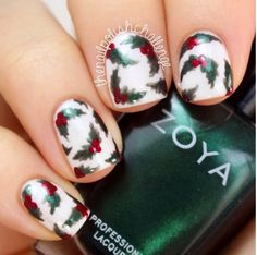 30 Totally Cute Christmas Designs For Short Nails