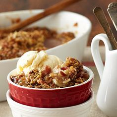 Apple Cheddar Crisp with Orange Cranberry Marmalade Topping - a delicious dessert from Stonewall Kitchen Apple Desserts, Just Desserts, Delicious Desserts, Dessert Recipes, Drink Recipes, Dinner Recipes, Thanksgiving Recipes, Fall Recipes, Apple Recipes