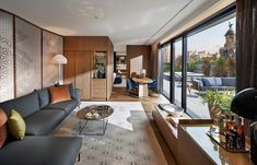 Suite living room. Mandarin Oriental Barcelona. © Mandarin Oriental Hotel Group