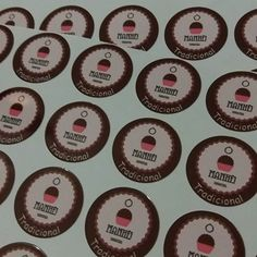 Adesivos com sabor para identificar as embalagens! Vc tb precisa de impressão de etiqueta com arte variada? Consulte-nos!!! #adesivo #etiqueta #banner #cartaodevisita #panfleto #flyer #tag #tagpersonalizada #brigadeiro #brigadeirogourmet #foodbike #bolo #bolonopote #bolocaseiro #moda #modafeminina #modainfantil #lojaderua #maesempreendedoras #mulheresempreendedoras #Moema #brooklin #campobelo