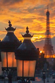 Emmy DE * Eiffel Tower | Paris