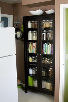 So now I want this, more. Great idea.....A place to put cookbooks and home canned foods, Hmmm...