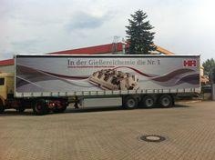 Weiteres schönes Beispiel für eine Folierung mit Folie an einem grossen Lkw.