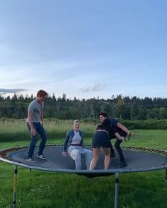 The post Cami falling over in slow motion is my new favorite thing. appeared first on Riverdale Memes. Riverdale Betty, Riverdale Archie, Bughead Riverdale, Riverdale Funny, Riverdale Memes, Camila Mendes Riverdale, Riverdale Poster, Riverdale Netflix, Cole Sprouse Funny