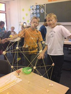Techniek | Floriant Unicoz Odyssey Of The Mind, Stem Activities, Art Club, Science And Technology, Creative Design, Circuit, Art For Kids, Experiment, Arch