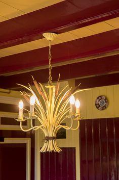 Goedenberg; Balkenplafond keuken Chandelier, Ceiling Lights, Lighting, Home Decor, Red Roof, Candelabra, Decoration Home, Room Decor, Chandeliers