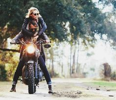It would be a dream come true to see the world while holding onto Moto Bike, Motorcycle Bike, Motorbike Girl, Triumph Motorcycles, Custom Motorcycles, Couple Motard, Motorcycle Couple, Cafe Racer Girl, Triumph Bonneville