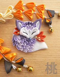 Tsumami zaiku brooch. Cute sleeping fabric fox. by MomoKanzashi on Etsy.