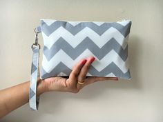 Bridesmaid Gift, Bridesmaid Gift, Bridesmaid Wristlet, Zipper Pouch, Clutch Wristlet Gray Color. These wristlets are perfect for bridal parties