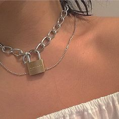 ❁⌇𝚏𝚘𝚕𝚕𝚘𝚠 @ 𝚋𝚞𝚖𝚋𝚊𝚍𝚍𝚒𝚎𝚜 𝚏𝚘𝚛 𝚏𝚘𝚛 - Mode - Schmuck Cute Jewelry, Jewelry Accessories, Jewelry Necklaces, Jewellery, Bold Jewelry, Chain Jewelry, Trendy Jewelry, Necklace Chain, Simple Jewelry