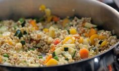 Pohankové rizoto — Recepty — Herbář — Česká televize Fried Rice, Clean Eating, Good Food, Food And Drink, Low Carb, Gluten Free, Healthy Recipes, Cooking, Ethnic Recipes