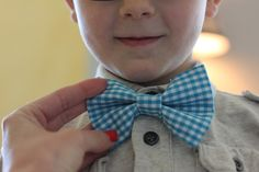 DIY bow tie tutorial.  Cute!  I bet I could even do this.