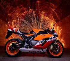 Honda CBR1000RR Fireblade in Repsol colours