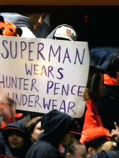 Hunter Pence signs are the best lol My Giants, New York Giants, San Fransico Giants, Hunter Pence, 2014 World Series, San Francisco Giants Baseball, Moving To San Francisco, America's Pastime, G Man