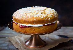 Leivo pulla kakuksi - hurmaava suosikki Tasty Pastry, Muffin, Breakfast, Sweet, Desserts, Recipes, Cakes, Food, Breakfast Cafe