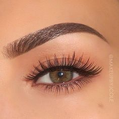 HOW TO: Perfectly Defined Brows✨ (Using Anastasia Beverlyhills Dip Brow in Med. HOW TO: Perfectly Defined Brows✨ (Using Anastasia Beverlyhills Dip Brow in Medium Brown and brush) Brus Eyebrow Makeup, Skin Makeup, Eyeshadow Makeup, Makeup Brushes, Eyeliner, Makeup Eyebrows, Eye Brows, Round Eyebrows, Eyebrows Grow
