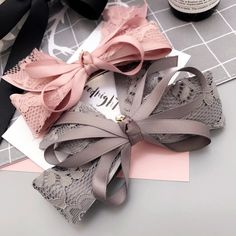 "2 Girls Handmade pink and white pretty daisy glitter 2.5/"" bow hair clips"