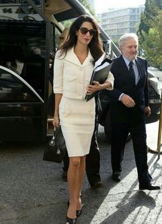 Amal Alamuddin's appearances in Athens and which one of them stood out! - Business Outfits for Work Lawyer Fashion, Office Fashion, Business Fashion, Work Fashion, Fashion Outfits, Street Fashion, Business Casual Outfits, Classy Outfits, Business Attire