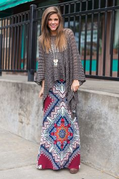 How AHHHHmazing is this poncho? The style and color are both right on target! Just throw it on over any outfit for a bit of boho. It even looks fab wi. Boho Fashion Over 40, Funky Fashion, Plus Size Fashion For Women, Modest Fashion, Womens Fashion, Arty Fashion, Modest Outfits, Cool Outfits, Boutique Tops
