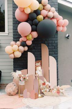 Modern Black and Coral Wedding Cake Display with a Balloon Garland Boho Wedding, Fall Wedding, Rustic Wedding, Dream Wedding, Wedding Ideas, Balloon Garland, Balloon Decorations, Birthday Decorations, Coral Wedding Cakes
