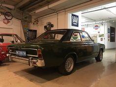 Retro Vintage, Retro Cars, Cars Motorcycles, Cool Stuff, History, Antique Cars, Vehicles, Historia
