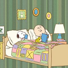 Snoopy and Charlie Brown know how to live the good life! Snoopy Pictures, Funny Dog Pictures, Peanuts Cartoon, Peanuts Snoopy, Charlie Brown Y Snoopy, Snoopy Wallpaper, Music Wallpaper, Happy Week End, Snoopy Quotes
