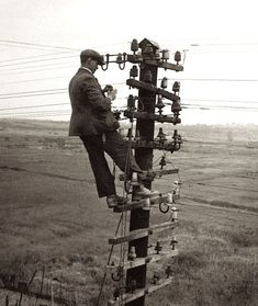 Moments frozen in time tell the tale of adventure, danger, and hard work faced. Take a look at linemen images from past to present. Lineman Wife, Power Lineman, Vintage Photographs, Vintage Photos, Journeyman Lineman, Glass Insulators, Electric Insulators, Phone Companies, Vintage Telephone
