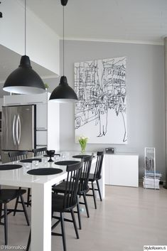 May 2020 - Black and white home decor and art. Ideas for the home in monochrome. See more ideas about Home decor, Home and White home decor. Dining Room Walls, Dining Room Lighting, Dining Room Design, Living Room Decor, Table Lighting, Dining Area, Black And White Dining Room, White Dining Table, Black White