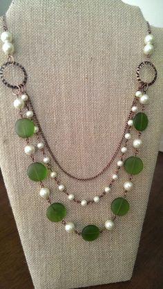 Collier vert et perle multirangs fait main par TrueNorthbyEllie