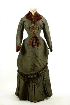 Dark green silk taffeta dress, 1884. It was worn by Effie McDougal at her marriage to William Walker Evans on December 25, 1884 in Marion, SC.