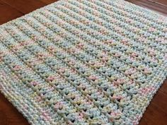 Crochet Patterns Blusas Crochet Quick Preemie Blanket Pattern - The Crochet Crowd - Crochet Quick Preemie Blanket I enjoy crocheting preemie blankets to donate to NICU units for the tiny babies. It's a way to finish a project quickly, Crochet Baby Blanket Free Pattern, Crochet Baby Blanket Beginner, Easy Baby Blanket, Crochet Crowd, Quick Crochet, Cute Crochet, Crochet Patterns, Baby Blankets, Crochet Blankets