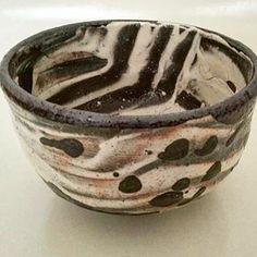 Chawan by Korean ceramist Ree Soo Jong Japanese Tea Ceremony, Chawan, Japanese Ceramics, Tea Bowls, Decorative Bowls, Pottery, Black And White, Tableware, Korean
