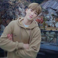 Korean Celebrities, Korean Actors, Rain Jacket, Bomber Jacket, Handsome Actors, Kpop, Actors & Actresses, Windbreaker, Raincoat