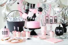 Pink Cake, Spiders, Cupcakes from Spooky Pink Halloween Party Featuring Daydream Society In Collaboration with Twinkle Twinkle Little Party Spooky Halloween, Pink Halloween, Halloween Birthday, Vintage Halloween, Birthday Ideas, 4th Birthday, Classy Halloween, Toddler Halloween, Halloween Costumes