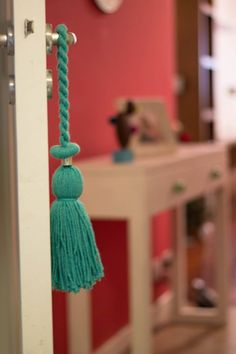 Tassel Necklace, Tassels, Drop Earrings, Ideas Para, Jewelry, Holiday Crochet, Objects, Presents, Accessories