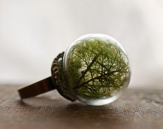 Please do click on main picture & have a look @ the originality of the rings - Awesome