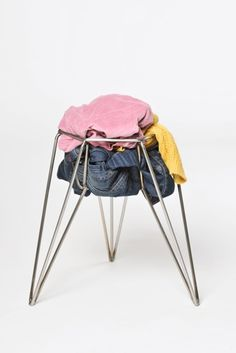 WIRE STOOL  Stool that challenges its user to design its individual seat.