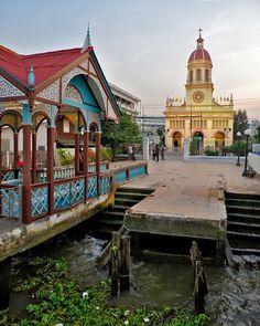 Santa Cruz Church My Krung Thep กรุงเทพฯ (Bangkok): Good Morning Old Bangkok Thonburi ธนบุรี Walking Tour Hidden Treasures, Bangkok Thailand, Walking Tour, Big Ben, The Good Place, Taj Mahal, Skyscraper, Places To Go, Asia