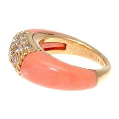 Pre-owned Van Cleef & Arpels 18K Yellow Gold Coral Diamond Philippine... (€3.280) ❤ liked on Polyvore featuring jewelry, rings, diamond wedding rings, 18 karat gold ring, diamond rings, yellow gold diamond rings and cocktail rings