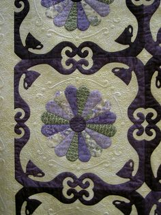 Bridal Tea by Kathy K. Wylie    hand & machine pieced, hand appliqued, machine quilted  dresden plate