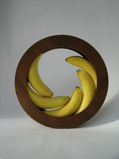 Banana bowl by Helena Schepens - wonderfully simple and elegant design Küchen Design, House Design, Foyer Design, Interior Design, Kitchen Gadgets, Kitchen Tools, Cooking Gadgets, Kitchen Stuff, Cooking Tips